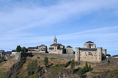 Puebla de Sanabria y el recinto amurallado