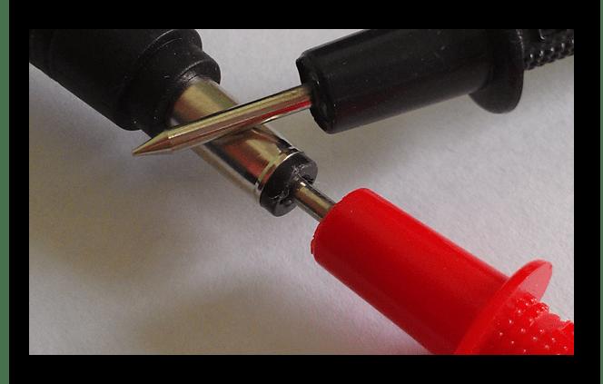 Процесс проверки полярности входов штекера от зарядки