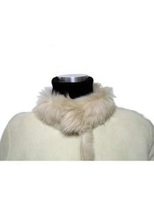 襟のホックを全て留めての画像:バナリパ風ハーフムートンコート