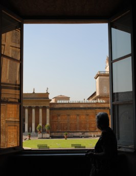 mom-at-window-in-vatican-city