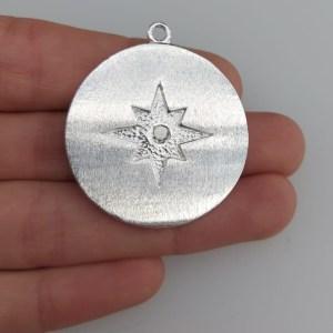 Dije bañado en plata de 34mm Medallón Estrella Fugaz Circón LDB81374