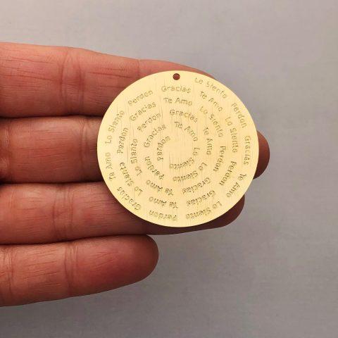 Dije bañado en oro 22k de 40mm Medallón Ho'oponopono LDB81939
