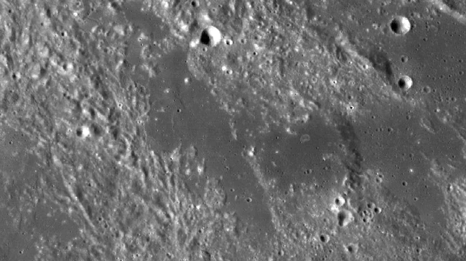 Terra Nivium on the Moon (Photo)