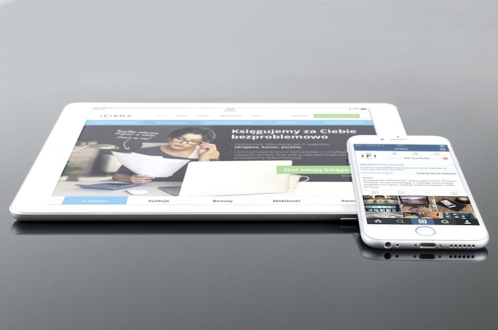 contoh iklan di media sosial