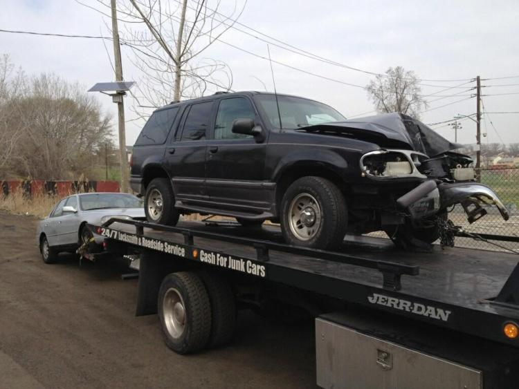 To get more cash, it is best to sell your totaled car to a junkyard