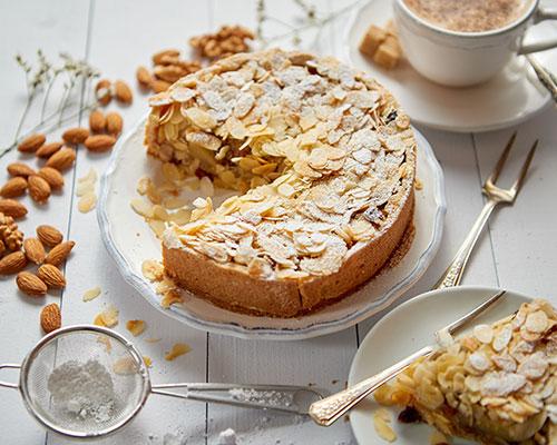 Kaka med äpplen