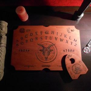 planche de ouija bouc