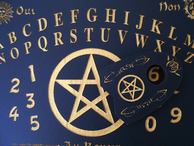 une goutte pour ouija et spiritisme
