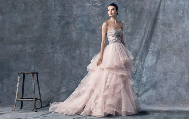 How To Choose A Colored Wedding Dress