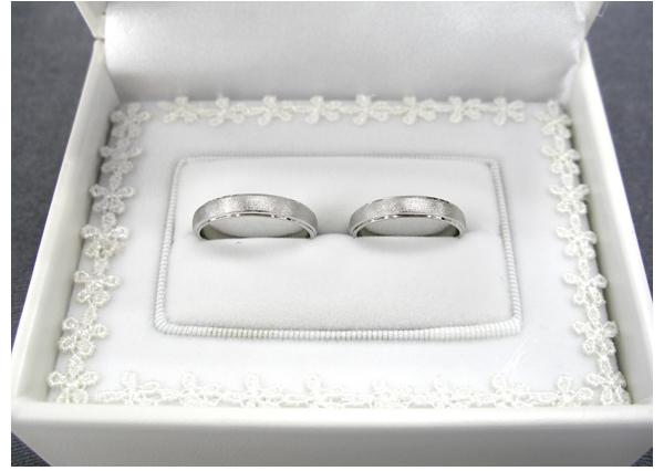 結婚指輪 Pt溝入りリング ダイヤモンドポリッシュ