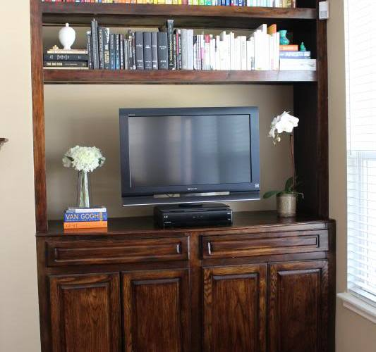 Living Room Bookshelf–Rainbow