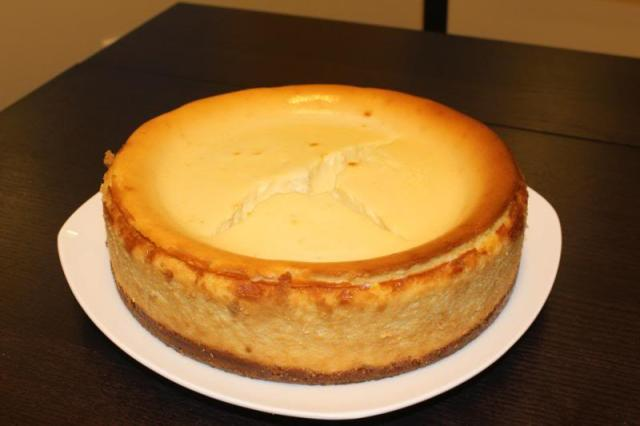 quick fix for a cracked cheesecake top