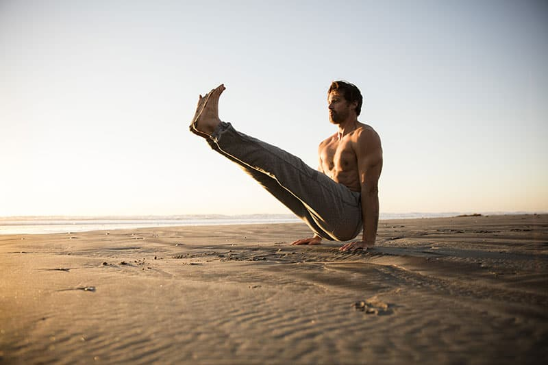 Sustainable Beach-Inspired Activewear by Vuori / balboa sweatpant