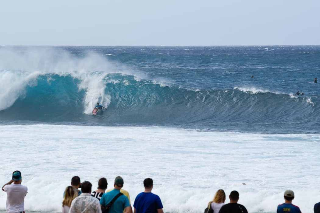 Pipeline surfing North Shore Oahu