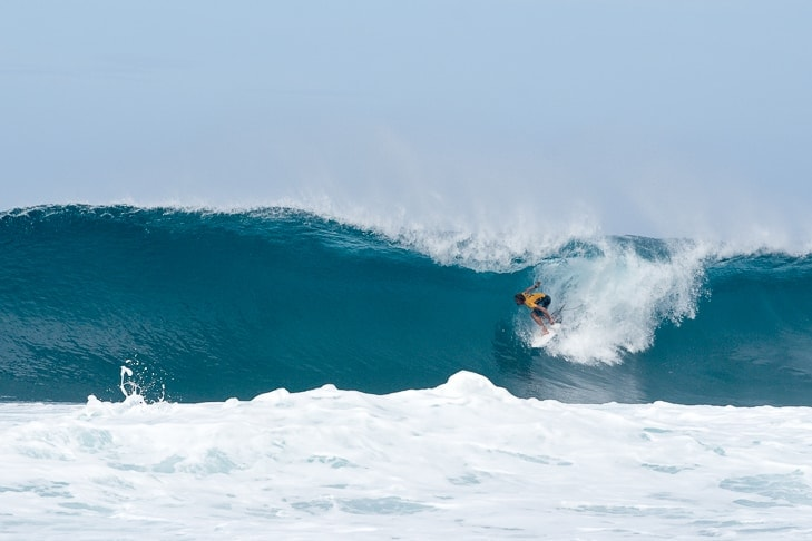 North Shore Surf Competitions The Ultimate Guide - 16 epic surfing photos