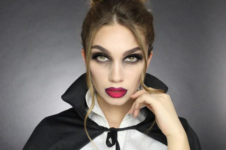 Julia Dantas - Halloween vampire