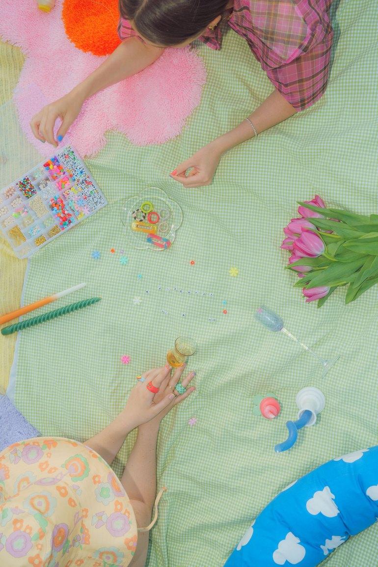 DIY Pinterest girls with beads