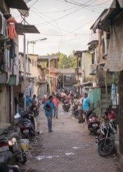 Luso Life - People on streets of Mumbai