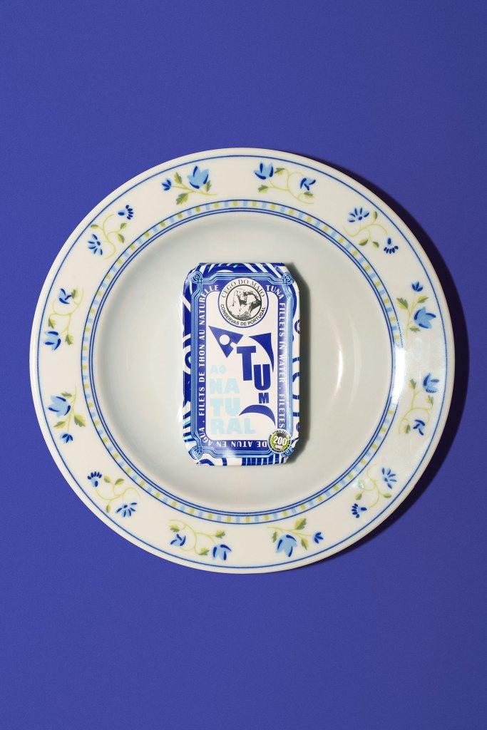 Cego do Maio sardine can on a plate
