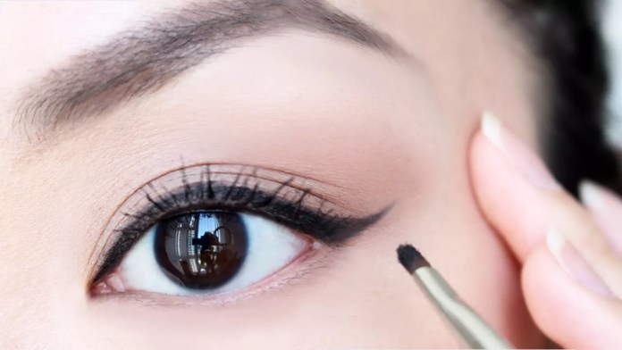 Simple Eye Makeup Tips, Simple Eye Makeup Tips To Make Your Eyes Pop.