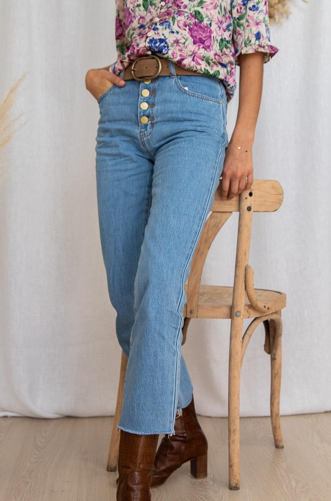 Pantalon en jean avec boutons sur le devant