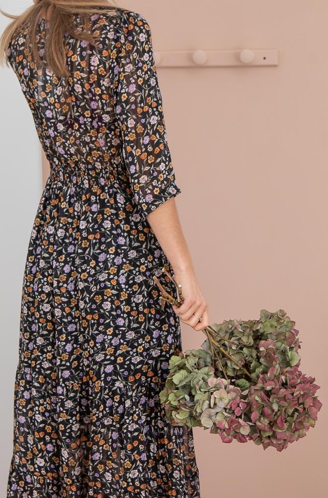 Robe longue noire fleurie Ycoo