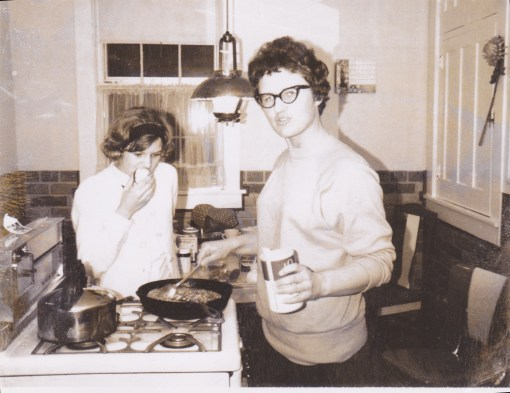 In the kitchen with Marilyn, who is (quite possibly) whipping up gravy. Tho not with powdered sugar