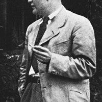 """Dietrich und Clive - eine Einordnung von Bonhoeffers Gedanken zu """"religionslosem Christentum"""" als Anfechtung, nicht Prophetie"""