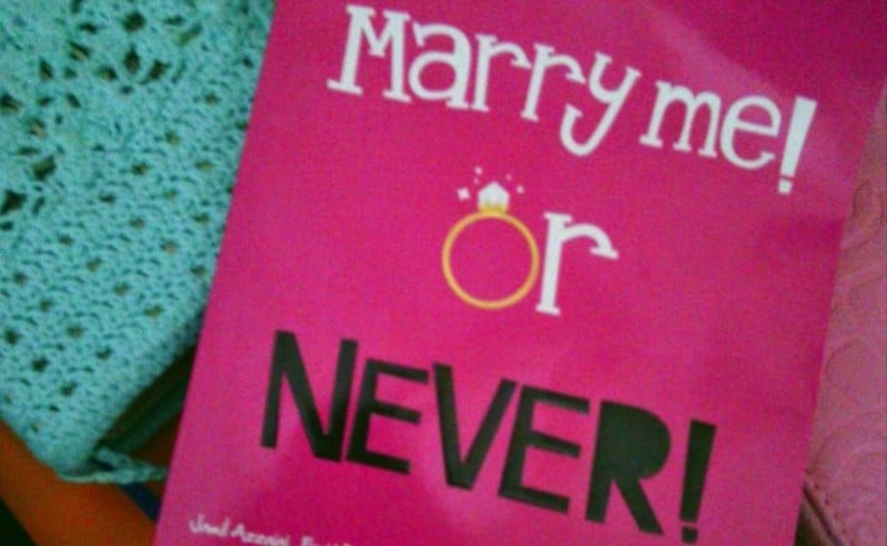 Buku Marry Me or Never
