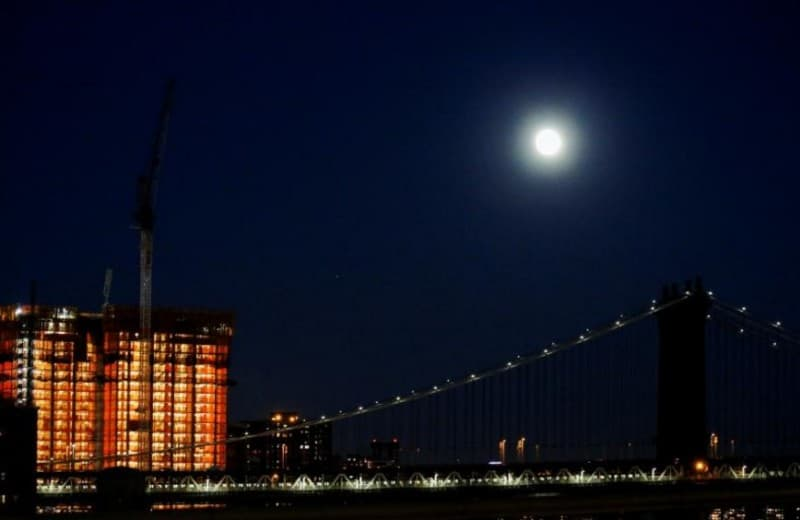 gambar-supermoon-di-new-york
