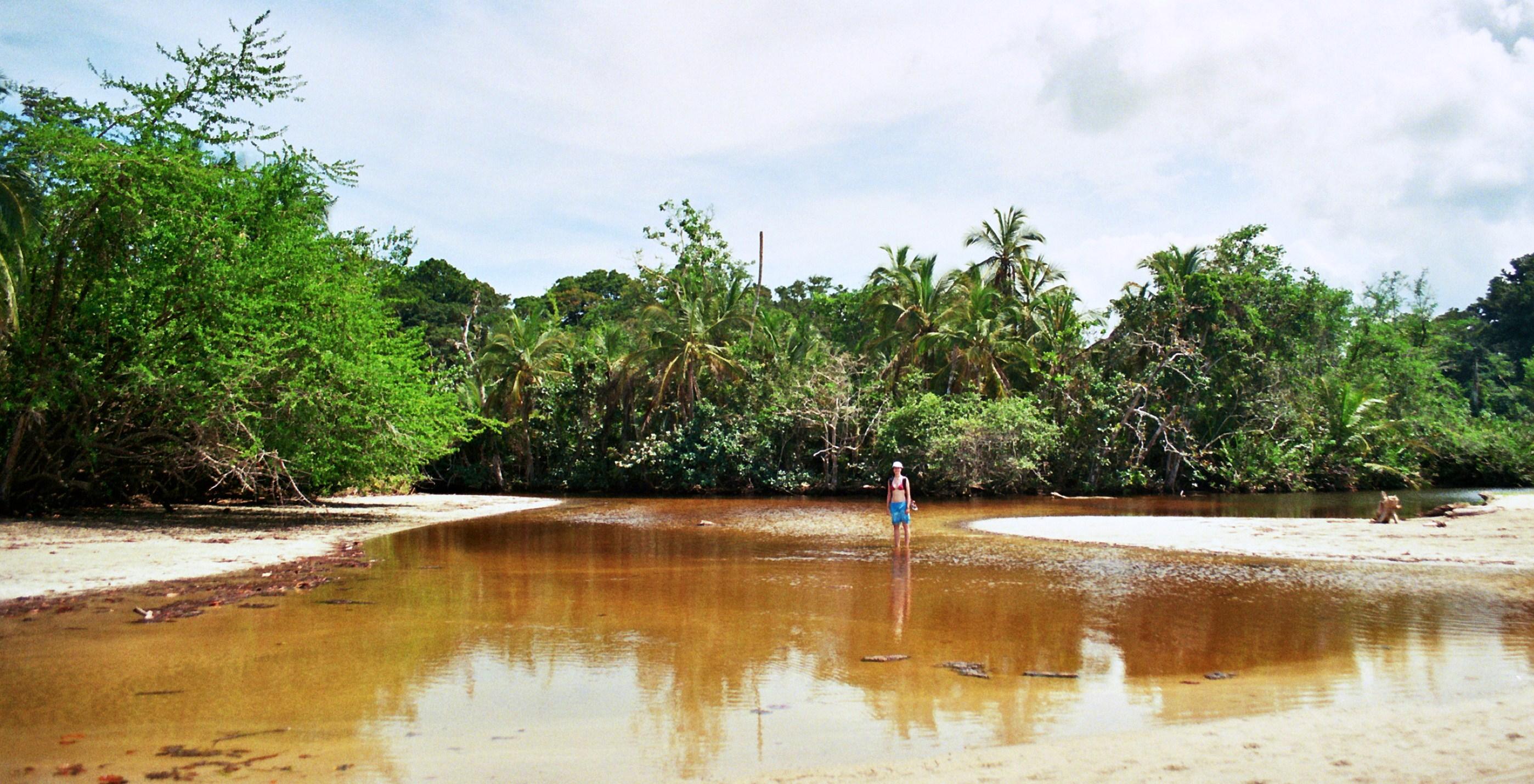 Soutok moře a řeky, Cahuita