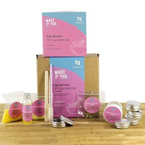 Naissance Make Your Own Lip Balm Kit 'Lip Service' Luxury (12 Piece Set) DIY Gift Set. With Everything You Need Included, Fun For Any Age & Occasion - Cruelty Free, No SLS, No GMO