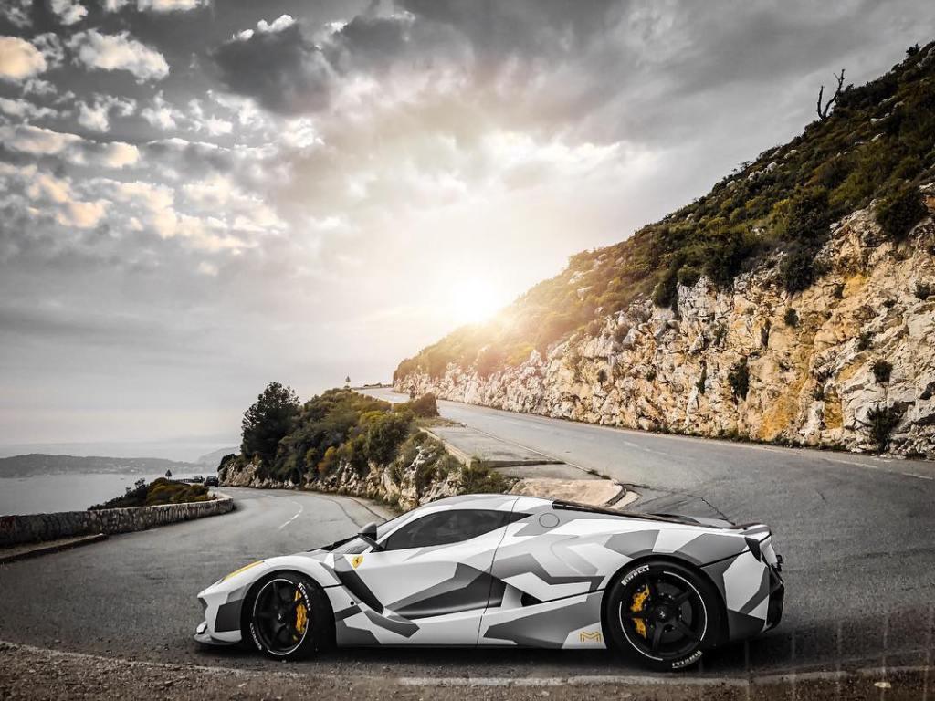 La_Ferrari-1