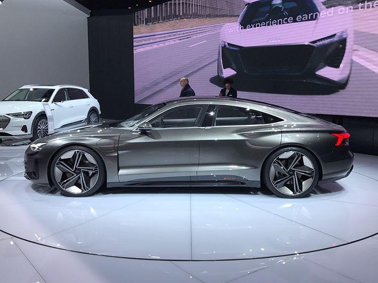 Audi-etron-7
