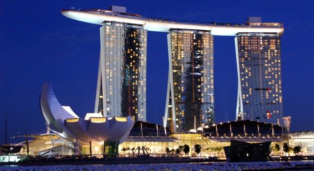 Marina Bay Sands à Singapour : La piscine la plus haute du monde