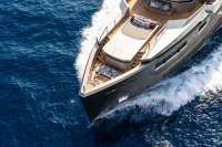Super-yacht-cacos-v-sea-top-view