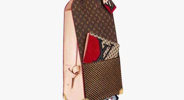 Louboutin et Louis Vuitton : Un chariot pour célébrer le monogramme à la Parisienne