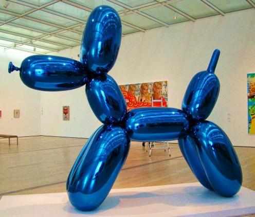 balloon dog blue