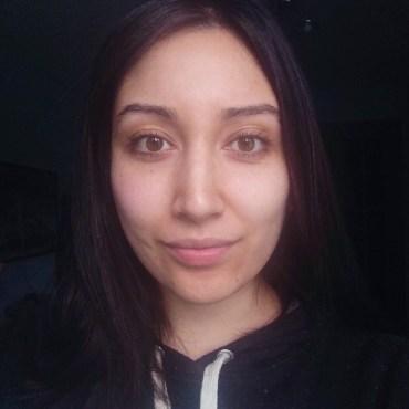 Before eyelash extensions (no mascara)
