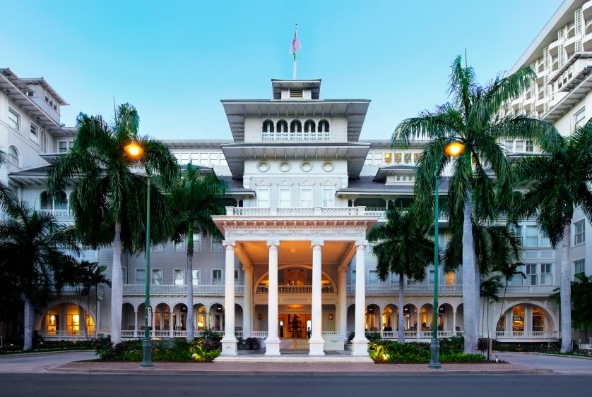 Moana Surfrider Porte Cochere Courtesy of Westin Resort & Spa