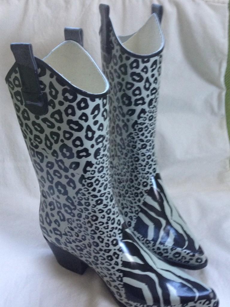Zebra-Lepord Rain Boots