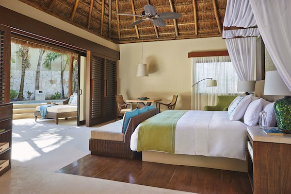 Airy villa with private plunge pool