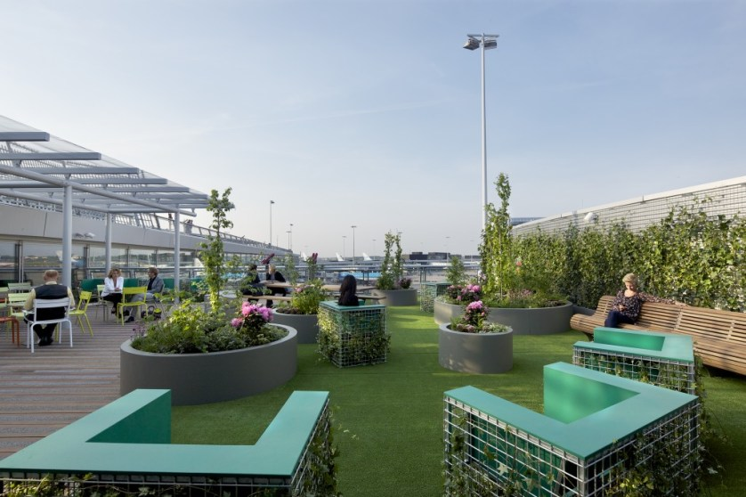 Terrace at Airport Park Schiphol. Photo by Maurice Mentjes for Amsterdam Airport Schiphol