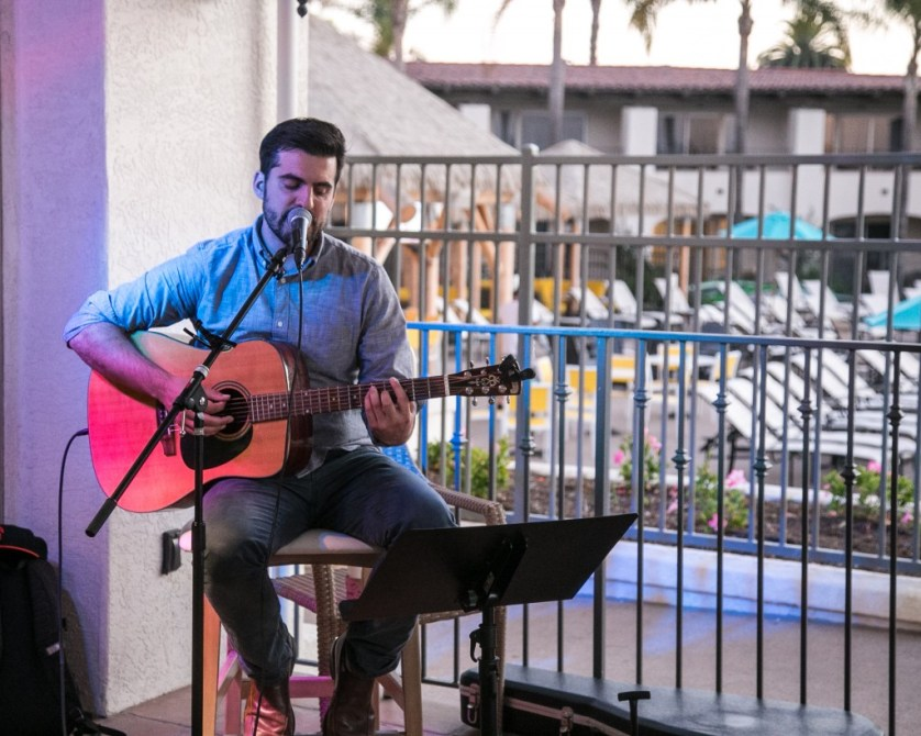 Live Music at the Kona Kai.