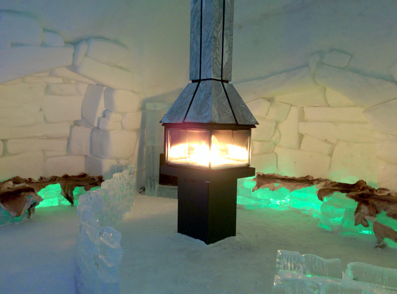 Fireplace at Hôtel de Glace