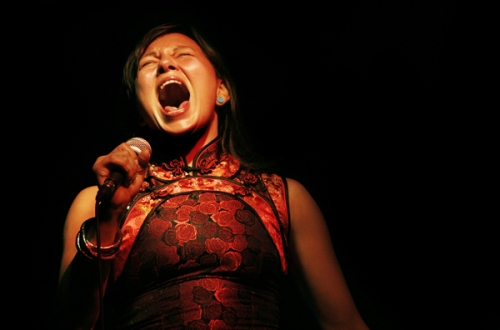 Riveting throat-singing performance by Tanya Tagaq