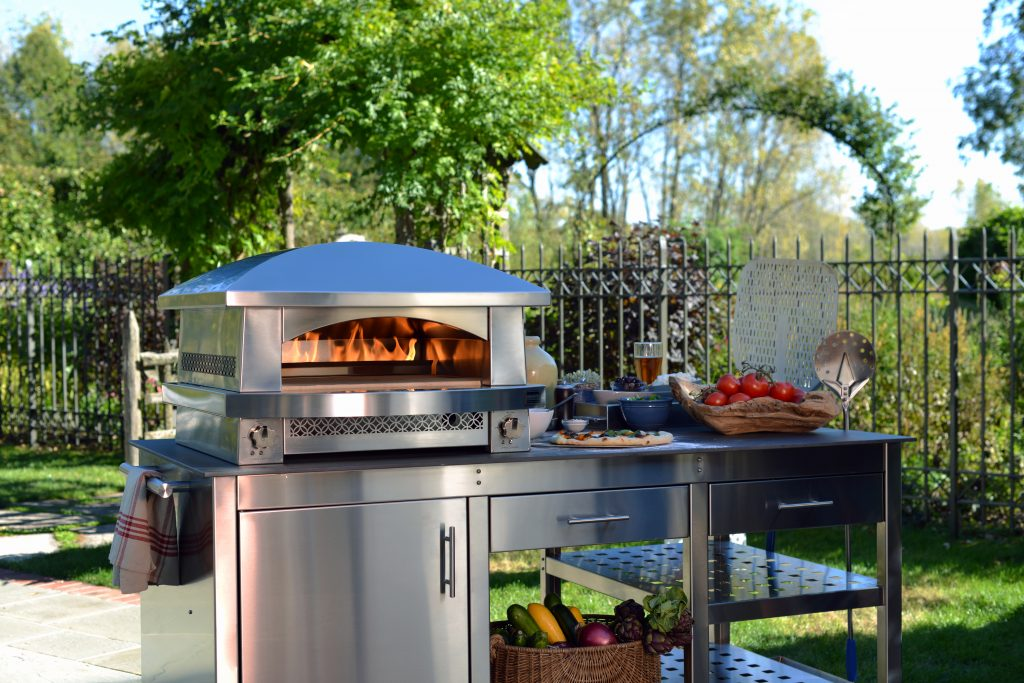 PHOTO BY ANTHONY TAHLIER_Artisan Fire Pizza Oven_Kalamazoo Outdoor Gourmet (1)