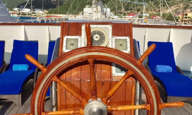 Luxury Sailing Wind Surf Cruise