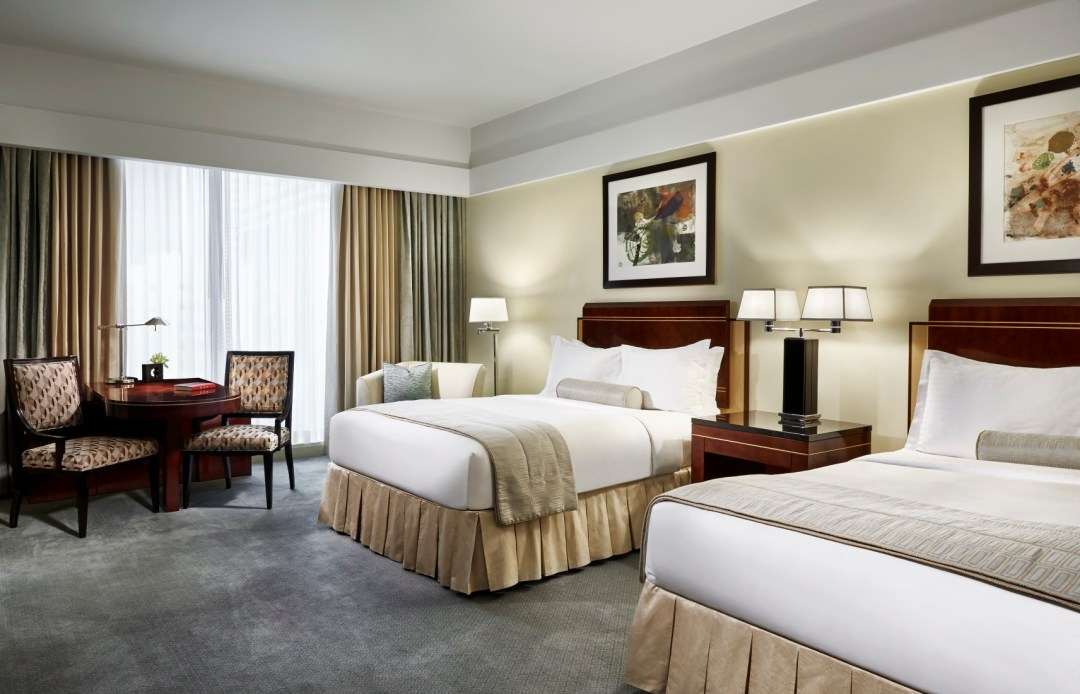 The_Ritz-Carlton_Charlotte_Bedroom_2_Beds[1]