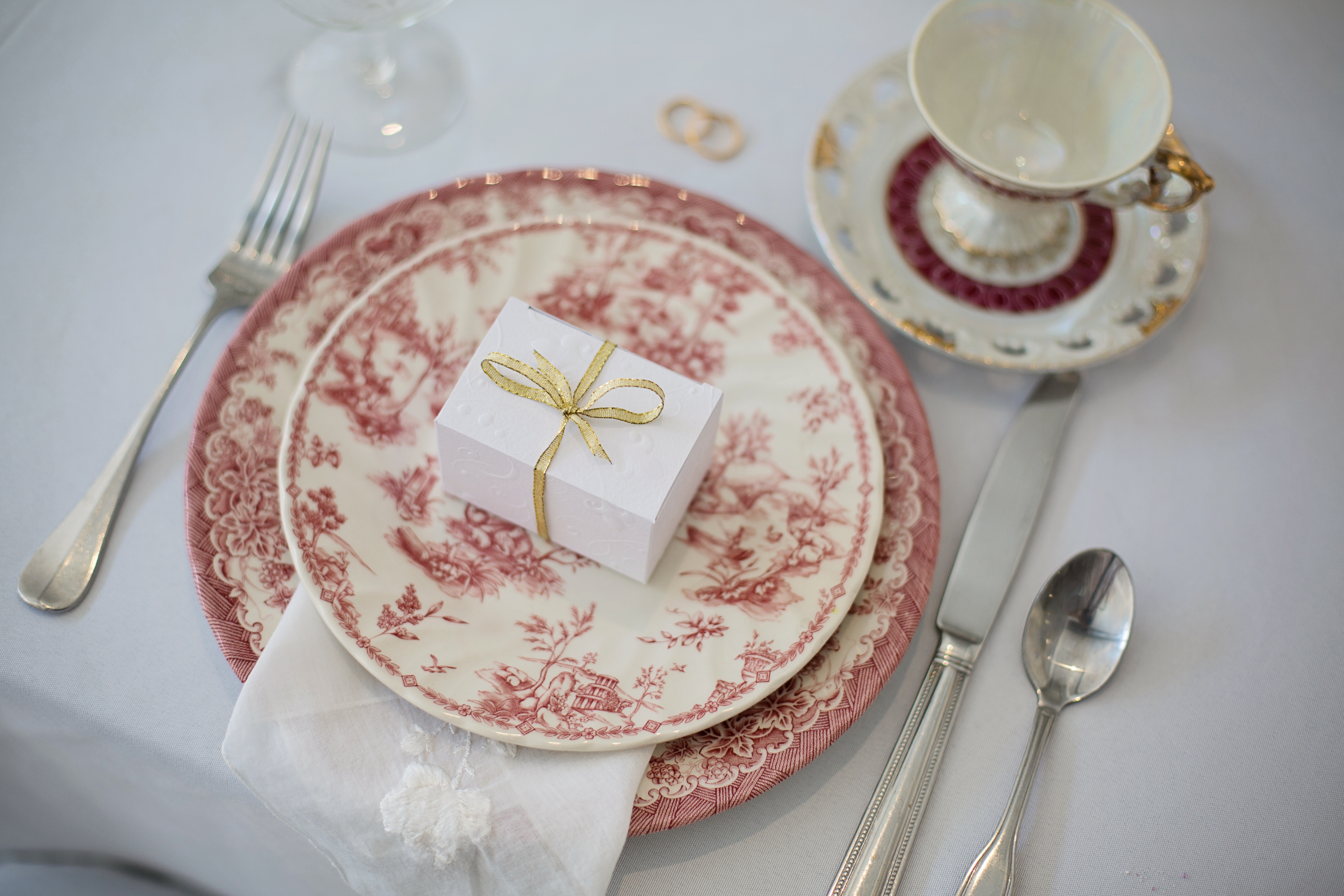 valentines day table setting & Romantic Tabletop Décor Ideas for Valentineu0027s Day at Home - Luxe ...